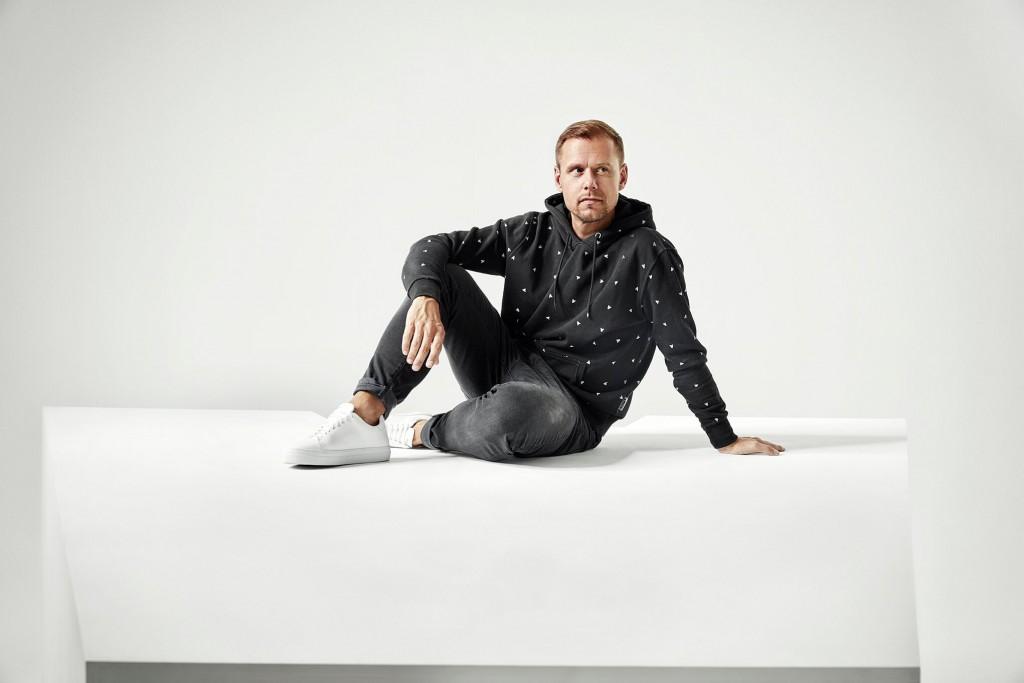 """Armin van Buuren """"turns it up"""""""