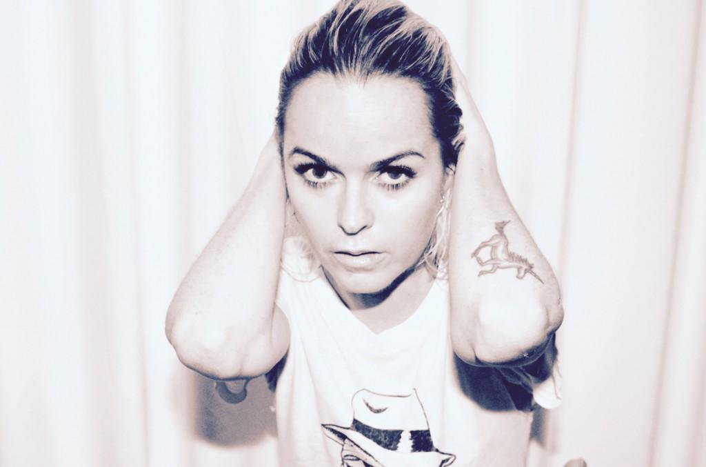 "Taryn Manning releases new single ""The Light"" -Clubbingtv.com"